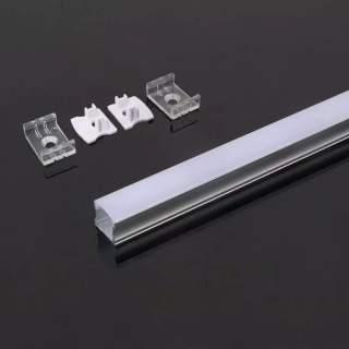 Profilo di alluminio alti da 2 metri con cover opaca di protezione